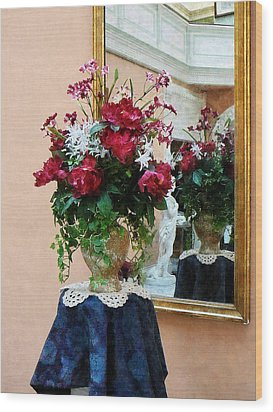 Bouquet Of Peonies With Reflection Wood Print by Susan Savad