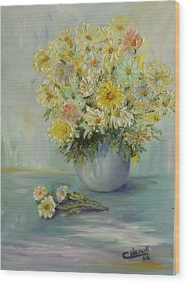 Bowl Of Daisies Wood Print by Catherine Hamill