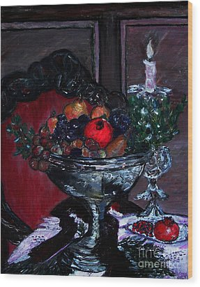 Bowl Of Holiday Passion Wood Print by Helena Bebirian