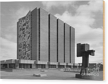 Bowling Green State University Jerome Library Wood Print by University Icons