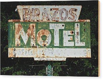 Brazos Motel Wood Print by Ricardo J Ruiz de Porras