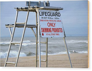 Breezy Lifeguard Chair Wood Print by Maureen E Ritter