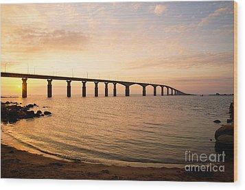 Bridge At Sunrise Wood Print
