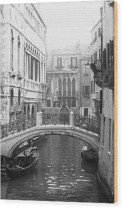 Bridge In Venice Wood Print by Dorothy Berry-Lound