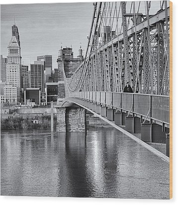 Bridge To Cincinnati Wood Print