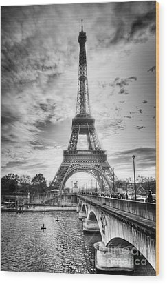 Bridge To The Eiffel Tower Wood Print