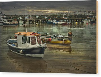 Wood Print featuring the photograph Bridlington Reflections by Brian Tarr