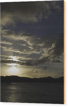 Bright Horizon Wood Print by Judy Hall-Folde