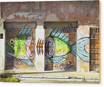 Brightly Colored Fish Mural Wood Print