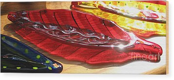 Brilliant Red Feather Glass Dish Wood Print by Donna Spencer