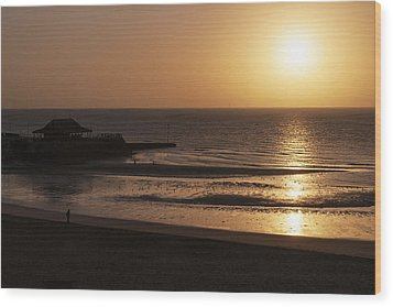 Broadstairs Sunrise Wood Print by David Isaacson
