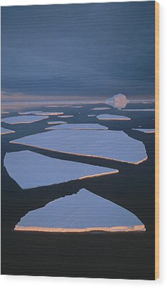 Broken Fast Ice Under Midnight Sun East Wood Print by Tui De Roy