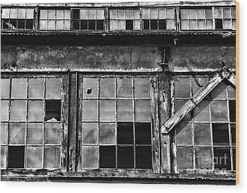 Broken Windows In Black And White Wood Print by Paul Ward