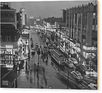 Bronx Fordham Road At Night Wood Print by Underwood Archives