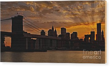 Brooklyn Bridge Sunset Wood Print by Susan Candelario