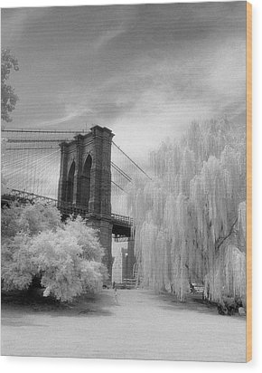 Brooklyn Bridge Willows Wood Print by Dave Beckerman