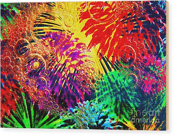 Wood Print featuring the photograph Bubbles by Geraldine DeBoer