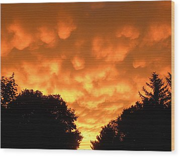 Wood Print featuring the photograph Bubbling Sky by Teresa Schomig