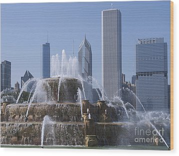 Buckingham Fountain Revisited Wood Print by Ann Horn