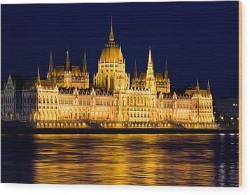 Budapest Parliament At Night Wood Print by Artur Bogacki
