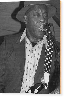 Buddy Guy Sings The Blues Wood Print
