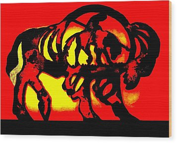 Buffalo Sun Set Wood Print by Larry Campbell