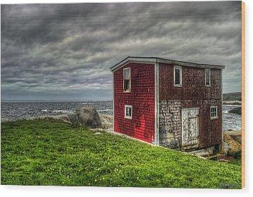 Building On The Sea's Edge Wood Print by Ken Morris