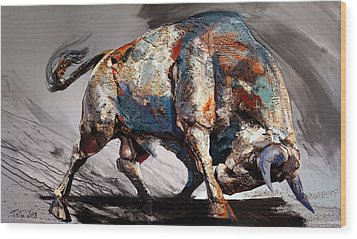 Bull Fight Back Wood Print by Dragan Petrovic Pavle