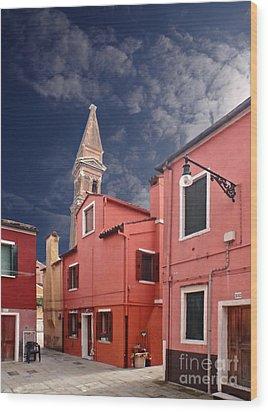 Burano 10 Wood Print by Giorgio Darrigo
