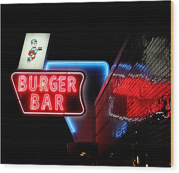 Burger Bar Neon Diner Sign At Night Wood Print
