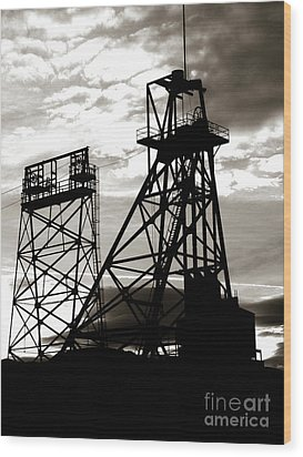 Butte Montana Headframe Wood Print by David Bearden