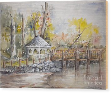 Gazebo At Lake Wylie Wood Print