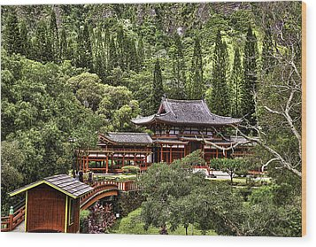 Byodo-in Wood Print by Joanna Madloch