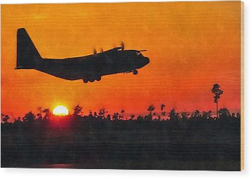 C-130 Sunset Wood Print by Paul Fearn