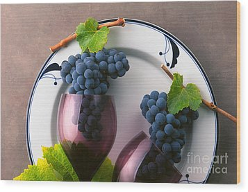 Cabernet Grapes And Wine Glasses Wood Print by Craig Lovell
