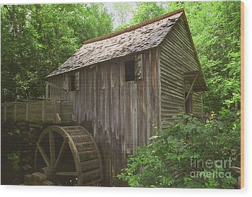 Wood Print featuring the photograph Cable Mill In Smoky Mtns by Arthaven Studios
