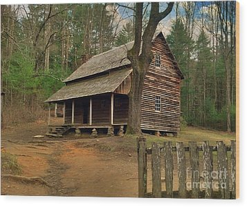 Cades Cove Cabin Wood Print by Janice Spivey
