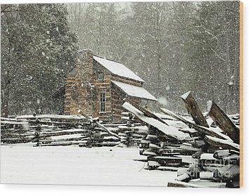 Cades Cove - Snowy Cabin Wood Print