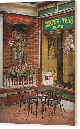 Cafe - The Best Ice Cream In Lancaster Wood Print by Mike Savad