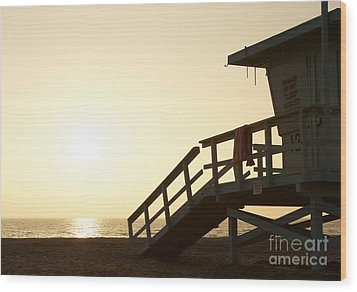 California Lifeguard Station At Sunset Wood Print