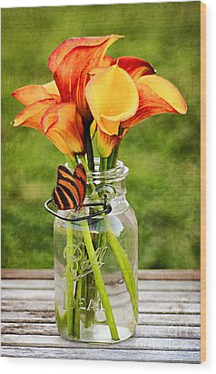 Calla's And The Butterfly Wood Print by Darren Fisher