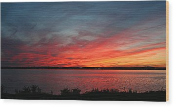 Calming Escape Wood Print by Stephen Melcher