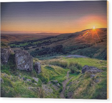 Campsies Sunset In Scotland Wood Print by Ray Devlin