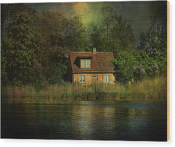 Canal Cottage Wood Print