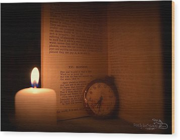 Candlelight Read Wood Print by Guy Hoffman