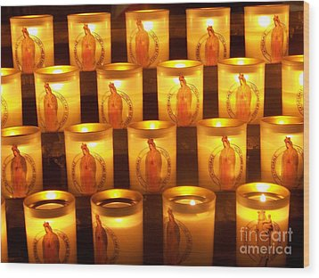 Candlelights - Bougies Notre Dame De Paris - Paris - France Wood Print by Francoise Leandre