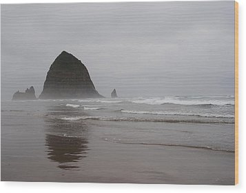 Wood Print featuring the photograph Cannon Beach In The Mist by Robert  Moss