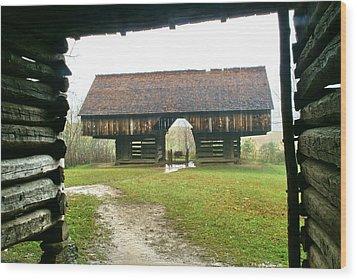 Cantilever Barn In Smokey Mtn Natl Pk Wood Print