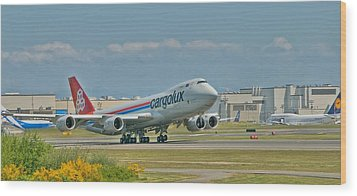 Wood Print featuring the photograph Cargolux 747-8f by Jeff Cook