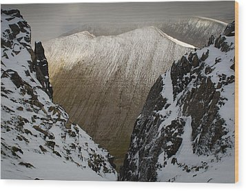 Carn Mor Dearg Wood Print by Roger Clifford
